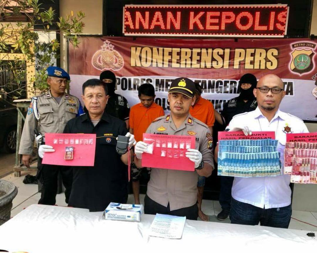 Dua Orang Pengedar Narkoba Jenis Sabu Ditangkap Polsek Teluk Naga