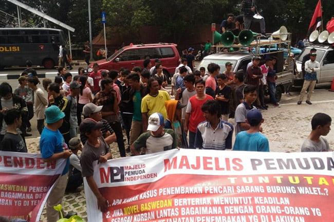 Aksi Demo Novel Baswedan di KPK Diduga Massa Bayaran