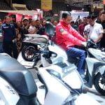 Kunjungi Indonesia Motorcycle Show, Jokowi Puji Produk Lokal