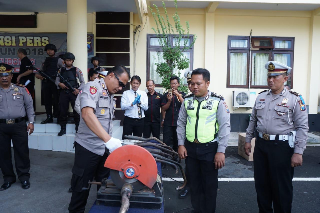 Polres Situbondo Musnahkan Knalpot Brong Hasil Razia Tahun 2018