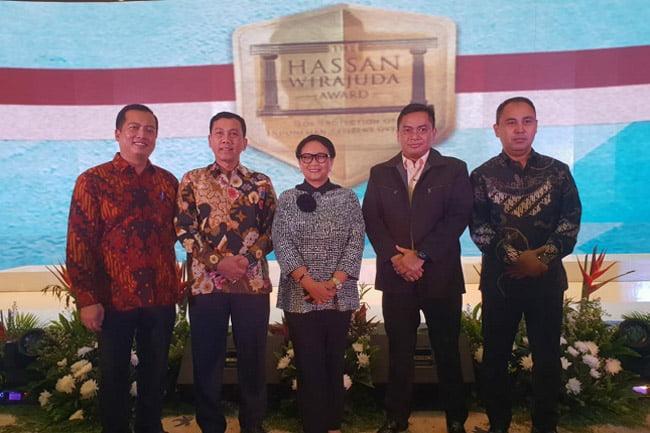 Polda NTB Terima Penghargaan Hasan Wirajuda Award Perlindungan TKI