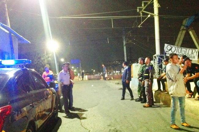 Tim Patroli Kodim 0503/GP dan Polsek Tambora Bubarkan Tawuran