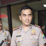 Dikawal Polisi, Truk Logistik Tumpang Pitu Terobos Hadangan Warga