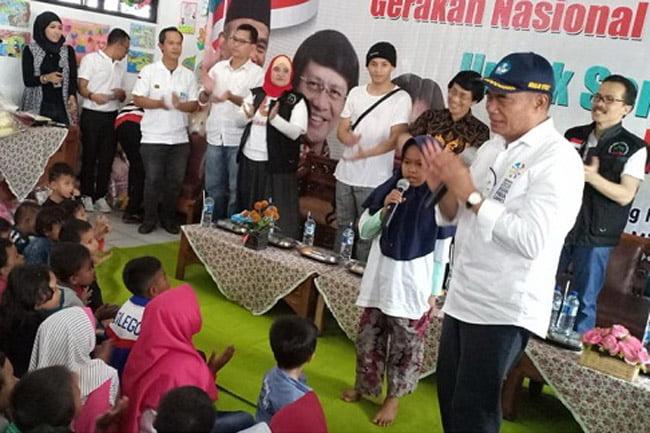 Gerakan Nasional 1 Juta Boneka Untuk Senyum Anak Indonesia