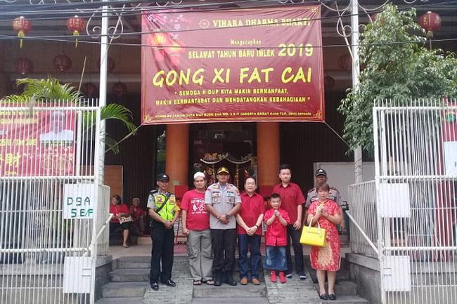 Kapolsek Tanjung Duren Amankan Perayaan Imlek di Vihara Se-Grogol