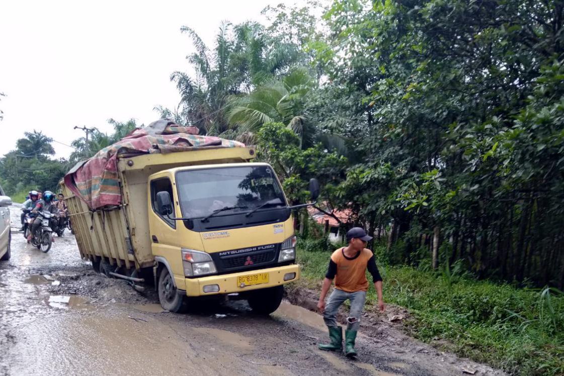 Jalan Lintas Kabupaten PALI Menuju Muba Terancam Putus