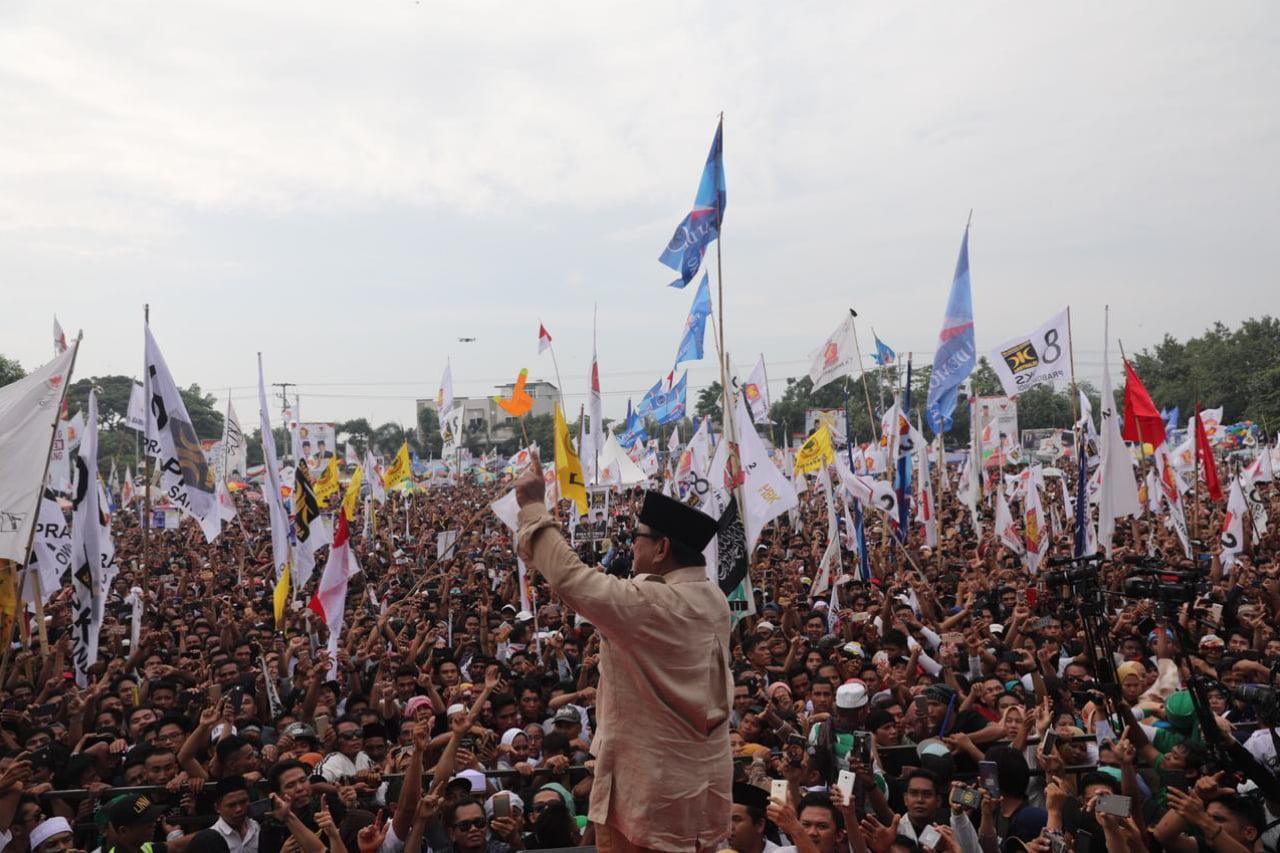 Emak-emak NTB ke Prabowo: Selalu Tegar dan Berani Bela Rakyat