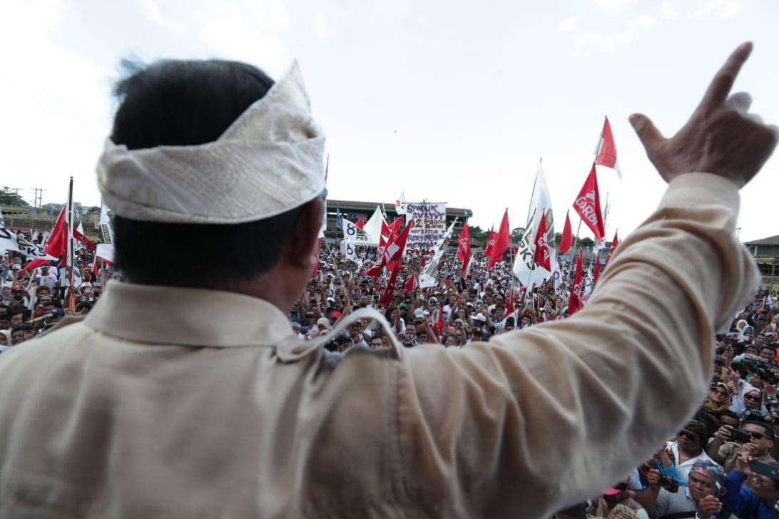Prabowo Tegur Pendukungnya Yang Menghina Jokowi Saat Kampanye di Bali