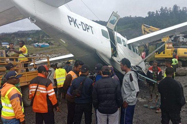 Over Runwai Pesawat Caravan Menabrak Tumpukan Batu di Ilaga Papua