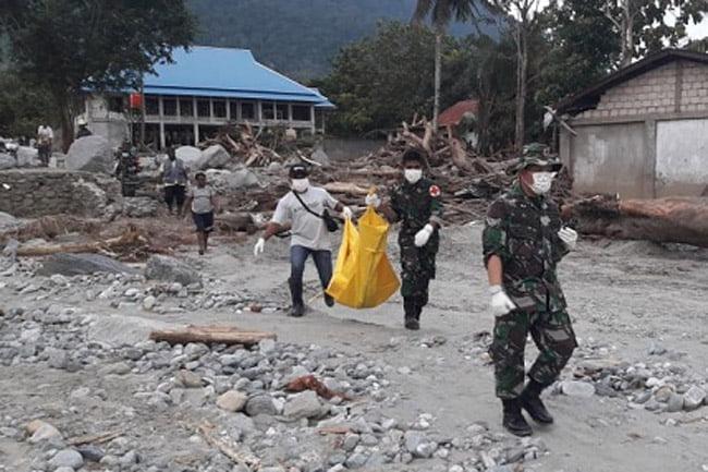 Tim Evakuasi Kembali Temukan Dua Jasad Korban Banjir di Sentani