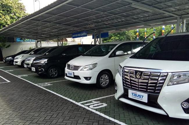 Beli Mobil Bekas di Toyota Trust, Gratis Tol Selama Setahun