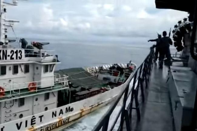 Kapal Perang Indonesia Ditabrak Dua Kapal Dinas Perikanan Vietnam