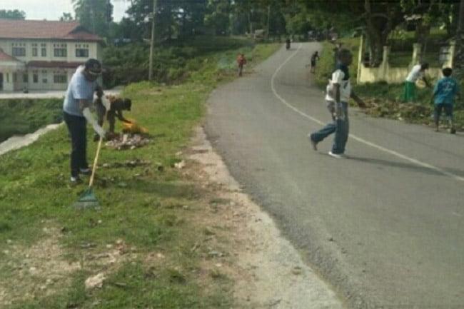 Bupati Maybrat Ajak Masyrakat TNI Dan Polri Jumat Bersih