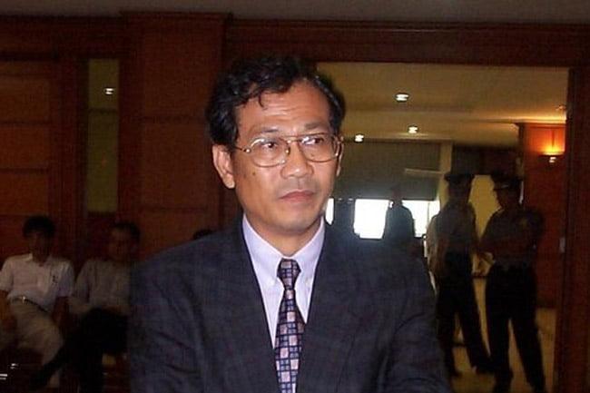 Hukum dan Hakim-Hakim Kita (6): Main Gila-gilaan di PN Tangerang