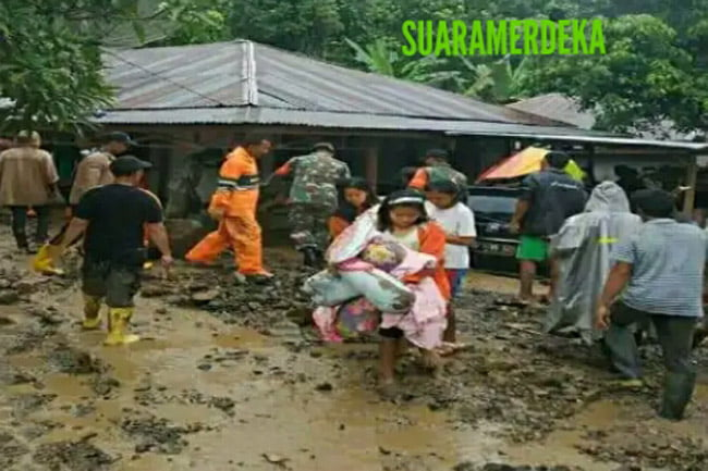 Banjir Bandang Hantam Desa Tarutung Baru Padangsidimpuan