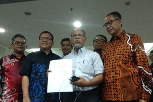 Bambang Widjojanto Serahkan Bukti Baru Paslon 01 Harus Didiskualifikasi