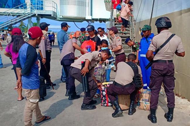 Polsek KP3 Laut Lakukan Operasi Ketupat Di Pelabuhan Sorong