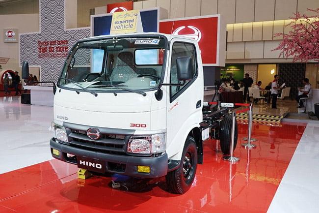 Hino300 Series Catat Sejarah Light Duty Truck Pertama Diekspor Utuh