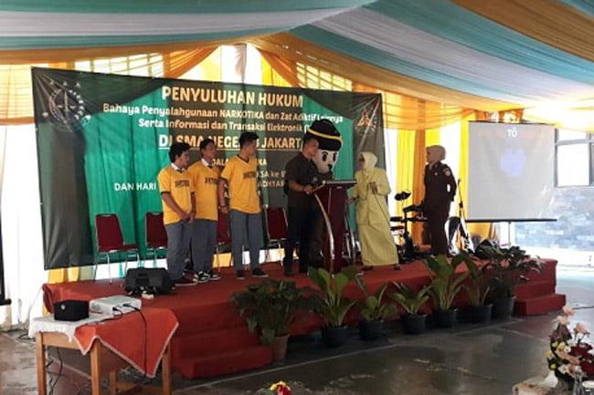 Ikatan Adhyaksa Darmakarini Kunjungi SMA Negeri 3 Jakarta Selatan