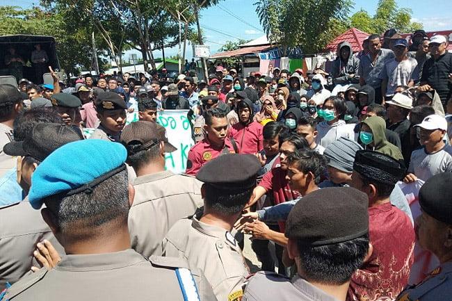 Tak Lulus Penetapan Anggota DPRD Wajo, Simpatisan Arifuddin Demo