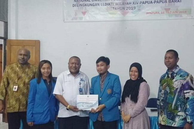 Mahasiswa UMS Ikut Kompetisi Debat Tingkat Nasional di Surabaya