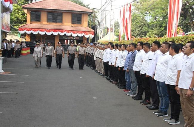 Kapolres Jakarta Barat Pimpin Upacara Kenaikan Pangkat