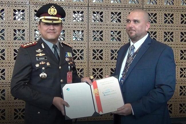 US DEA Beri Penghargaan Polres Metro Jakarta Barat