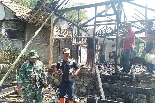 Baru Selesai Dibangun Satgas TMMD, Rumahnya Terbakar
