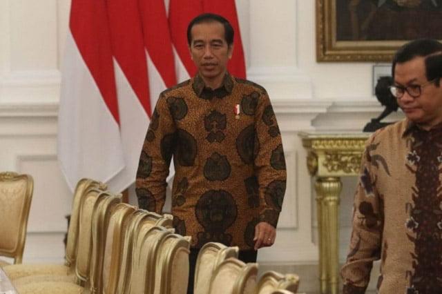 Benarkah Kursi Jokowi Sudah Goyang? Opini Tony Rosyid