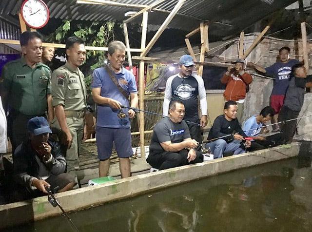 Karang Taruna Mancing Ikan Bersama Kapolsek Jatinegara