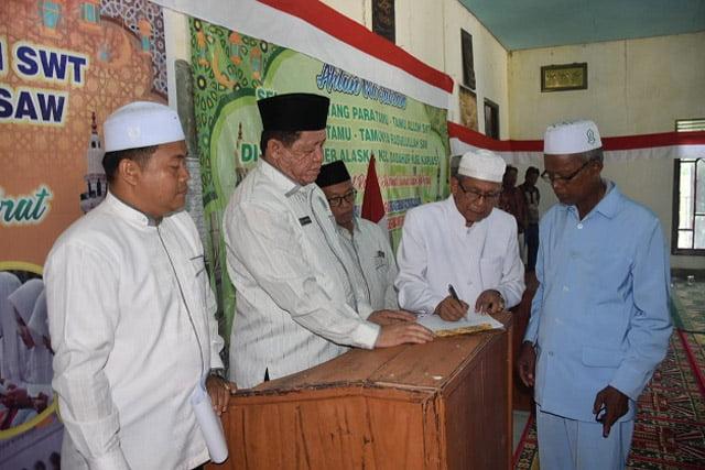 Kepengurusan MUI Kecamatan Dadahup Dikukuhkan Ketum MUI Kapuas