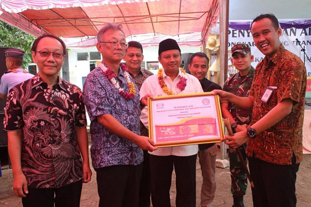 Hino Indonesia Donasikan Alat Praktek ke SMK Taruna Sakti Purwakarta