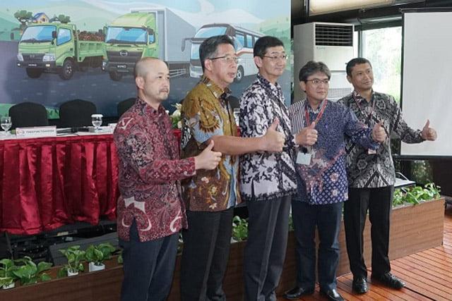 Hino Masih Jadi Market Leader Medium Duty Trucks Selama 20 tahun