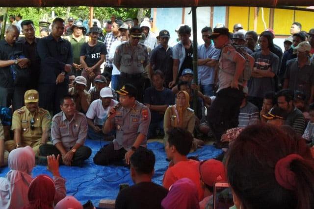 Warga Dusun Pancer Tolak Tambang Curhat ke Kapolresta Banyuwangi
