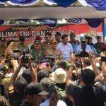Panglima TNI dan Kapolri Kunjungi Masyarakat Natuna Wilayah Observasi