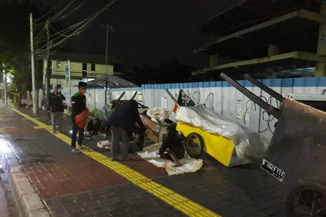 GPI Peduli Umat Bagikan 2 Ribu Nasi Bungkus Untuk Warga Kolong Jakarta