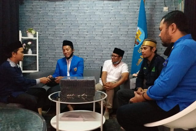 KNPI Satu Nafas Serahkan Secara Simbolis Bantuan Mushaf Al-Qur'an