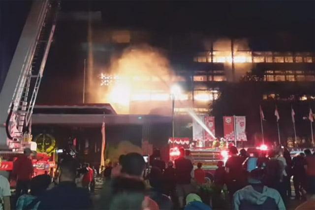 Gedung Kejaksaan Agung Terbakar Untuk Hilangkan Bukti Kasus Djoko Tjandra?