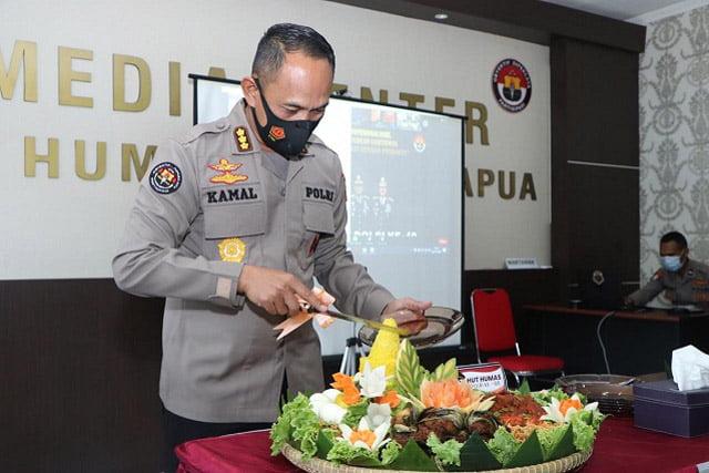 Kabid Humas Polda Papua Pimpin Acara Syukuran HUT Humas Polri Ke-69