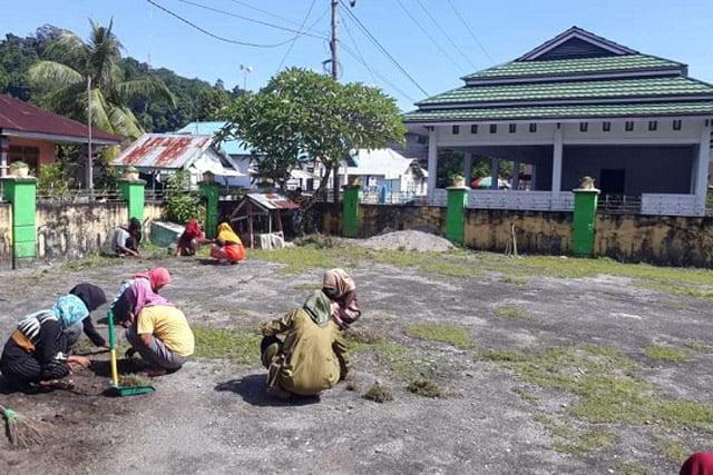 PC GPI Amalatu Gelar Bakti Sosial di Desa Latu