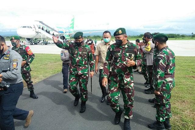DanLanal Banyuwangi Sambut PangKostrad Tinjau Relokasi Yonif Raider 515