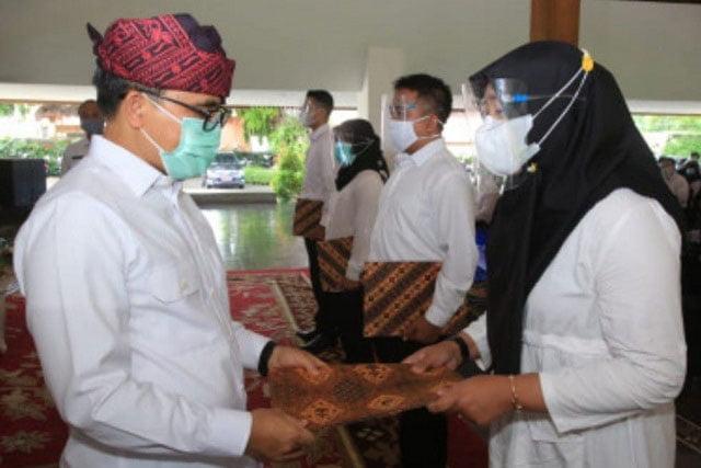Serahkan 250 SK CPNS, Bupati Banyuwangi Ingatkan Budaya Inovasi