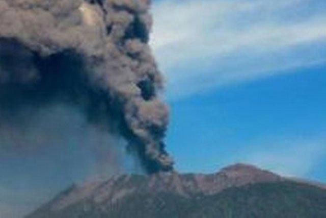 Status Gunung Raung Kembali Naik Menjadi Waspada