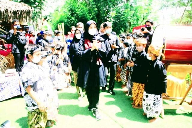 Rumah Bambu Kampoeng Batara, Amphitheater Kreativitas Anak-Anak Rimba