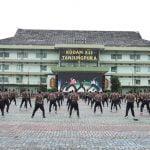 Pangdam XII Tanjungpura Olahraga Bersama Dengan Prajurit dan PNS