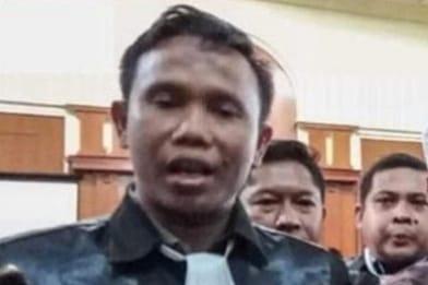 Mengadili Presiden Joko Widodo, Oleh Ahmad Khozinudin
